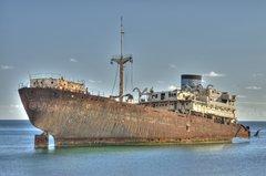 Schifffahrt: Weniger Schäden, aber neue Risiken